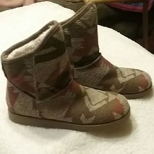 Indigo Rd Pull On Insulated boots size 9M